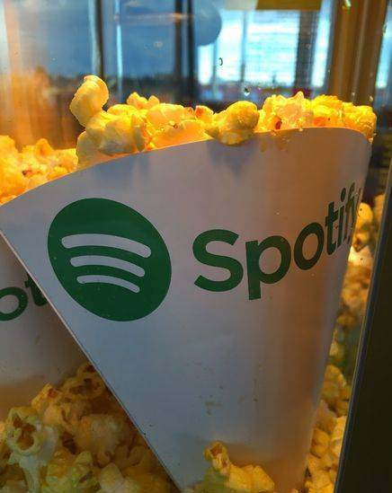 Popcornstrutar-med-tryck-spotify-2